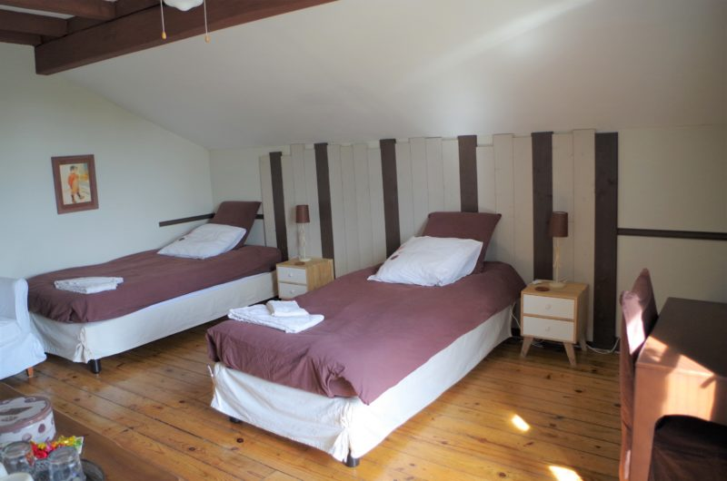 chambre chocolat la vigneronne senouillac lits jumeaux tarn occitanie